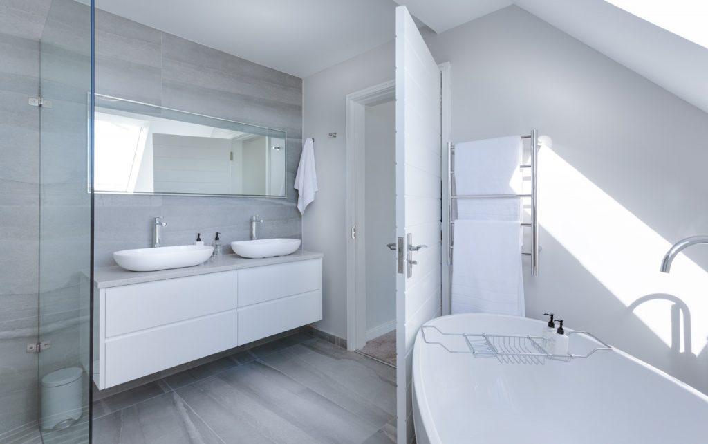 Comment rénover votre salle de bains en plusieurs étapes